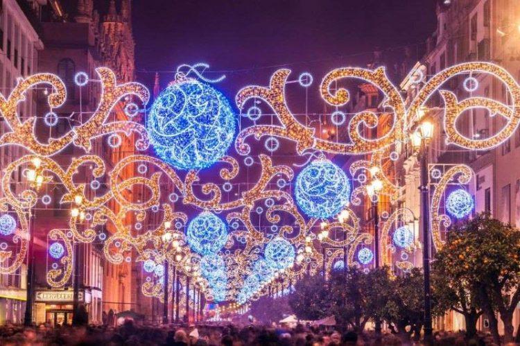 Самая впечатляющая в мире новогодняя иллюминация: 45 фото