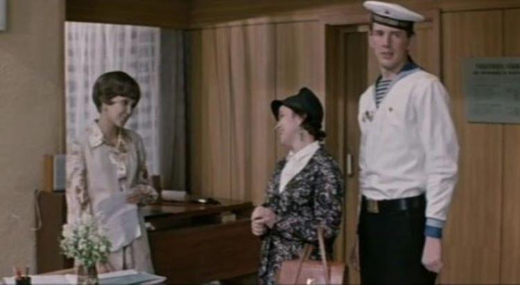 Александр Абдулов 1973 Возле этих окон первая роль советские актёры
