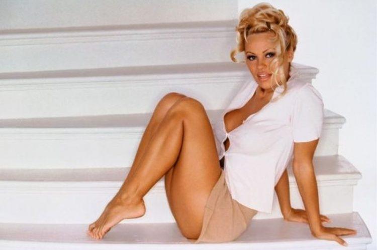 Pamela Anderson krasotka samyye yarkiye foto
